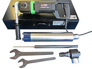 Eibenstock EHD 2000 S - Diamant-Trocken-Kernbohrmaschine - Bohrbereich bis Ø 132 mm | Besonders geeignet für die Herstellung von Wand- und Deckenöffnungen, im Sanitär-, Heizungs- und Lüftungsbau. Hier als Set mit wählbarer Bohrkrone, Staubabsaugung und Zentrierung.